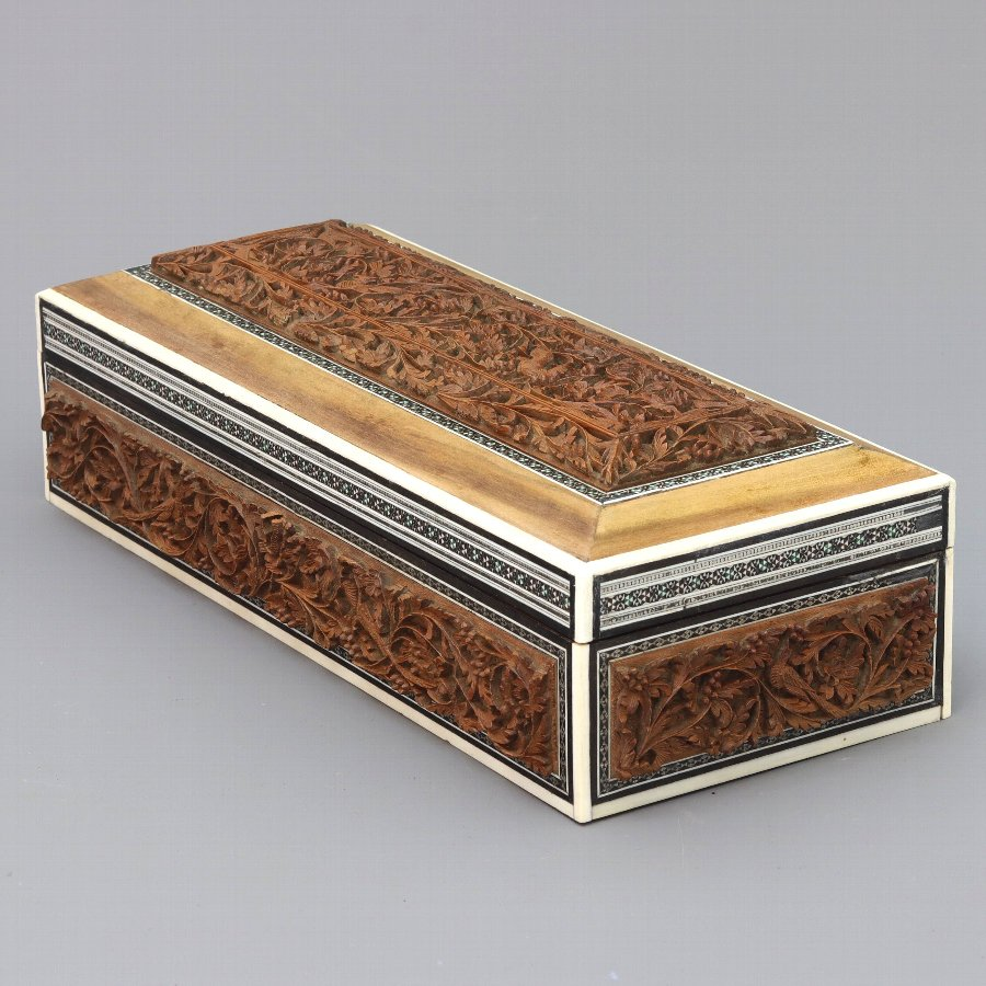 Anglo-Indian Vizagapatam Carved Sandalwood and Inlaid Box