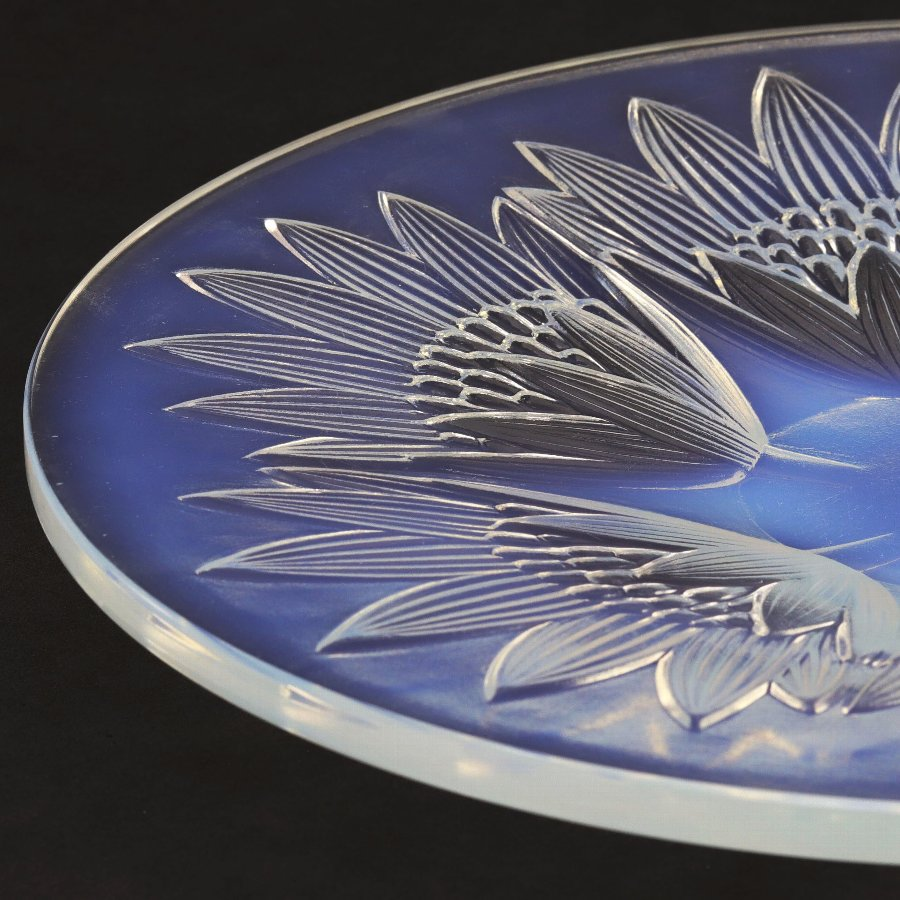 Art Deco French Opalescent Glass Dish by Pierre D'Avesn