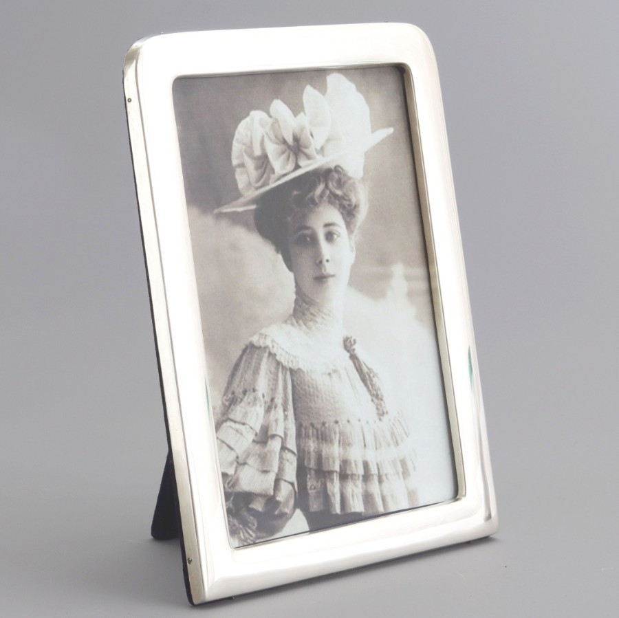 Large Quality Silver Photo Frame by William Harrison Walter Birmingham 1899