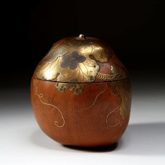 Antique Japanese Lacquered Gourd Caddy