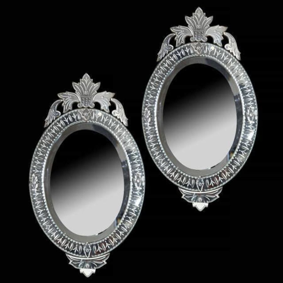 Pair Of Engraved Oval Venetian Style Mirrors - 19Th Century - Antique