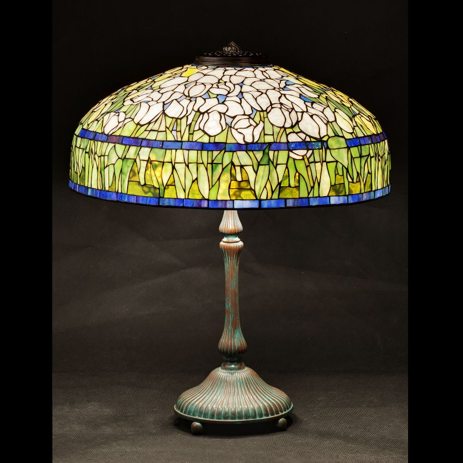 Tiffany Tulip Stained Glass Lamp Shade