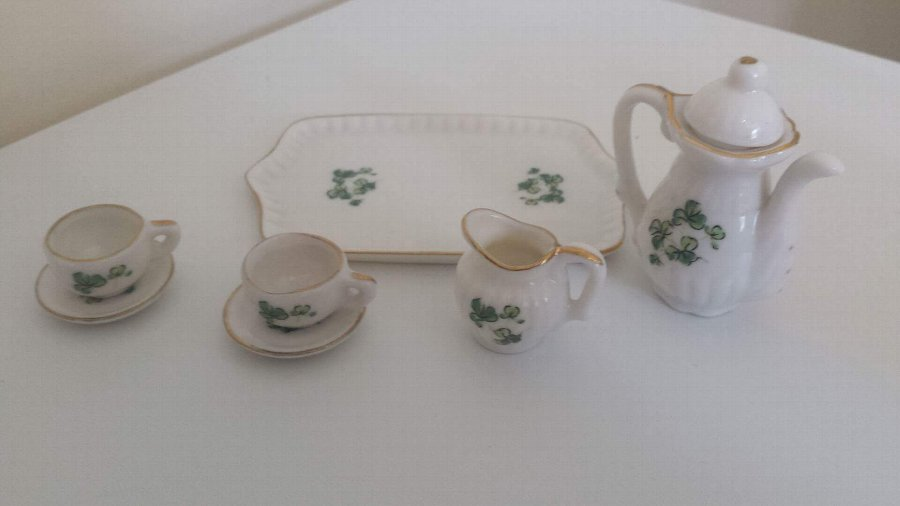 Lefton white clover miniature tea set