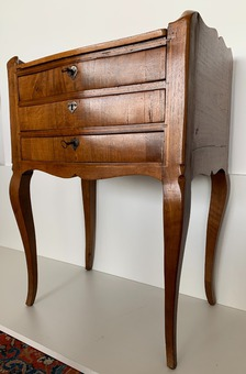 Antique 18th CENTURY CHEST OF DRAWERS
