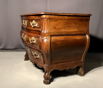 Antique LOUIS XV PERIOD CHEST OF DRAWERS