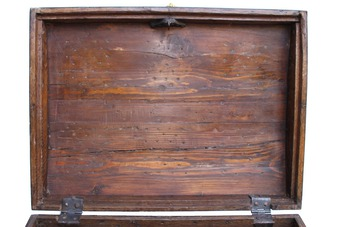 Antique 18th  CENTURY CHEST