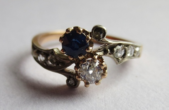 Antique GOLD, SAPPHIRE AND DIAMOND RING