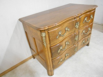 Antique LOUIS XIV PERIOD CHEST OF DRAWERS