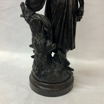 Antique BRONZE SCULPTURE SIGNED HIPPOLYTE MOREAU