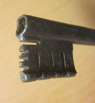 Antique 17th CENTURY ITALIAN KEY