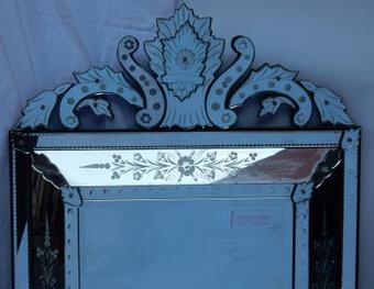 Antique 1950's Venetian Mirror With a Floral Decor and with Bubbles