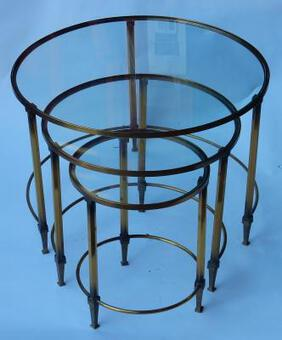Antique 1950/70 Serie Nesting Tables in Brass in The Style of Maison Ramsay