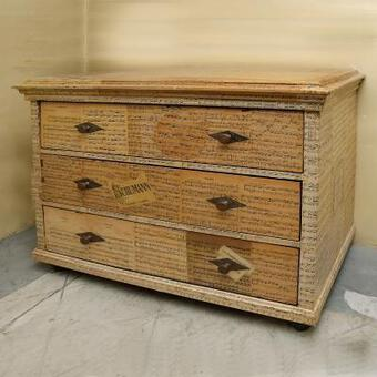 Antique 19th C FRENCH CHEST OF DRAWERS