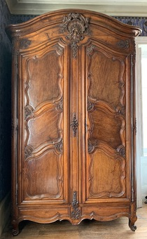 Antique 18th CENTURY FRENCH ARMOIRE