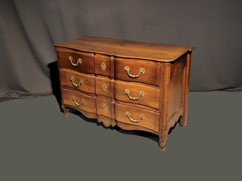 Antique 18th CENTURY FRENCH CHEST OF DRAWERS