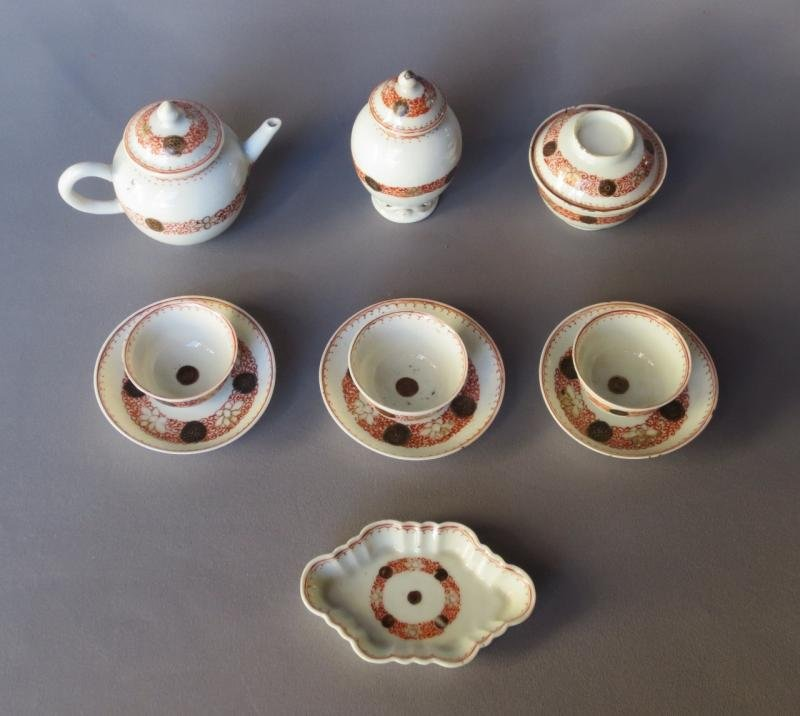 18th C MINIATURE TEA SERVICE IN INDIAN COMPANY PORCELAIN