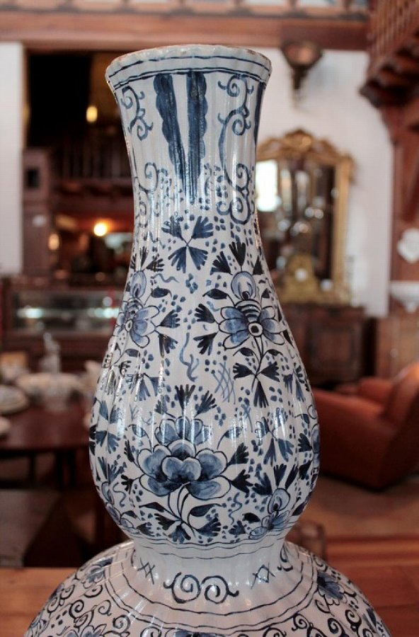 Antique DELFT FAIENCE VASE