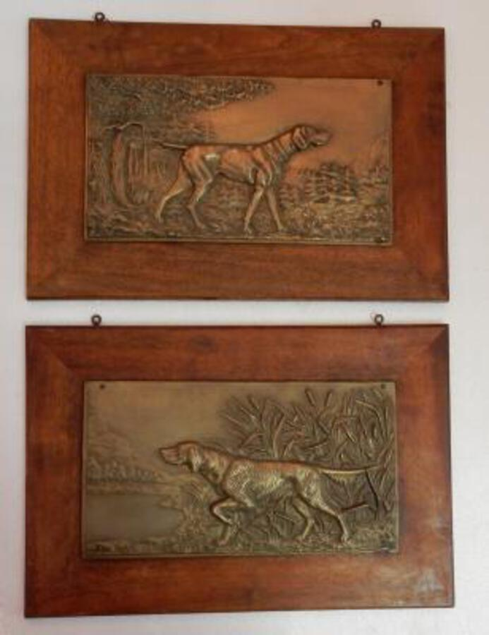 Antique 1900 ' Pair Of Bas Reliefs In Bronze On Walnut, Hunting Dogs In Arrest