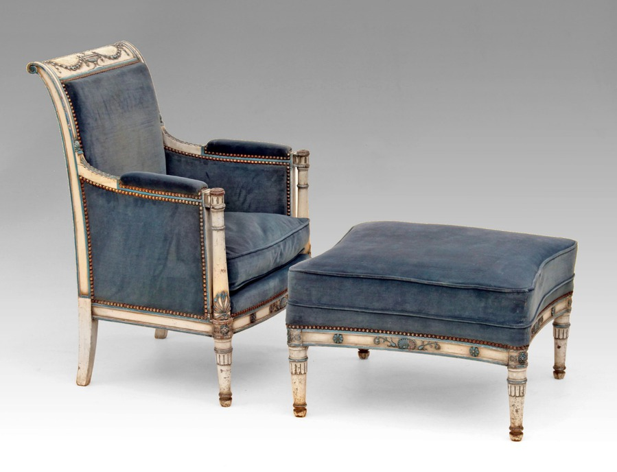 19th CENTURY FRENCH CHAISE LONGUE
