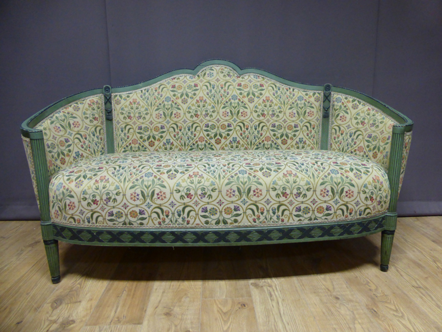 ART DECO PERIOD SETTEE