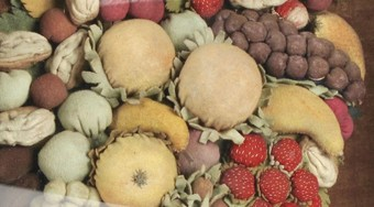 Antique A very rare felt shadow box showing a basket with fruit, circa 1850