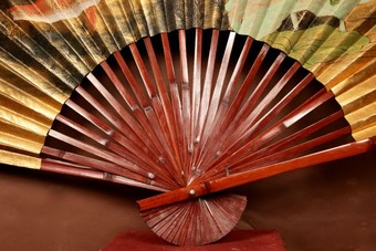 Antique A Unusual And Beautiful Oriental Painted Oversized Fan.