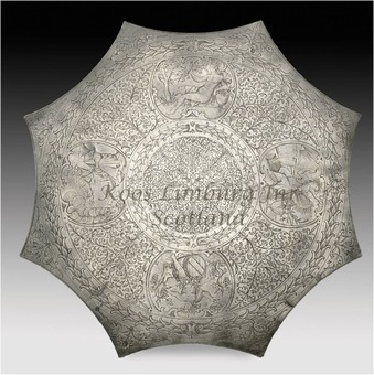 "Antique A magnificent and very rare pewter "" Kuchenplatte ""with silver quality engraving, marked with the coat of arms of the German Town: Neurenberg,"