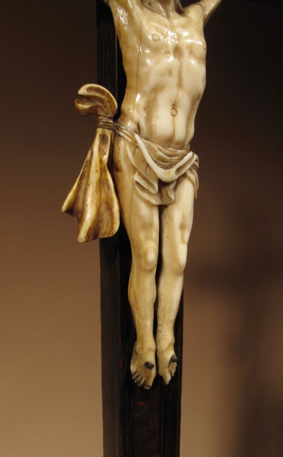 Antique A Fine Ebony And Tortoiseshell Veneered Crucifix Applied With An Ivory Corpus Christi, Franco/Flemish First Half 18th Century.