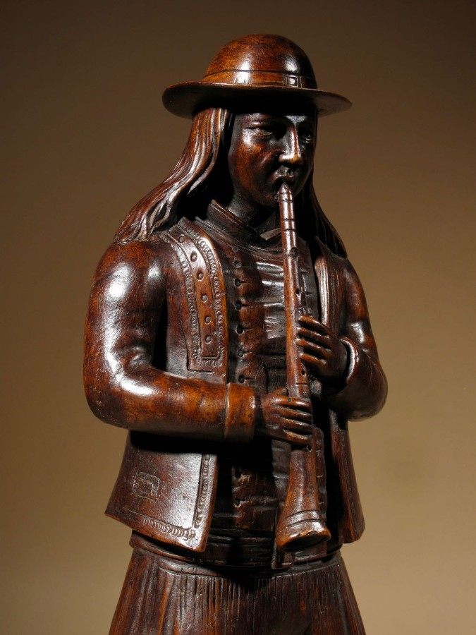 Antique A French Folklore Very Finely Carved Figure Of A Musician Of The Provence.