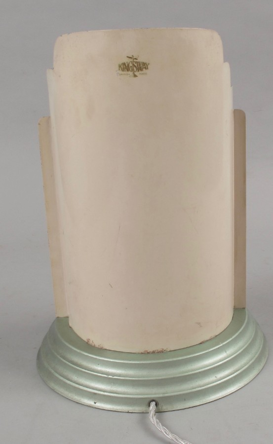 Antique A very rare and decorative original Art Deco table lamp, still with the original lustre spray paint, in original condition.