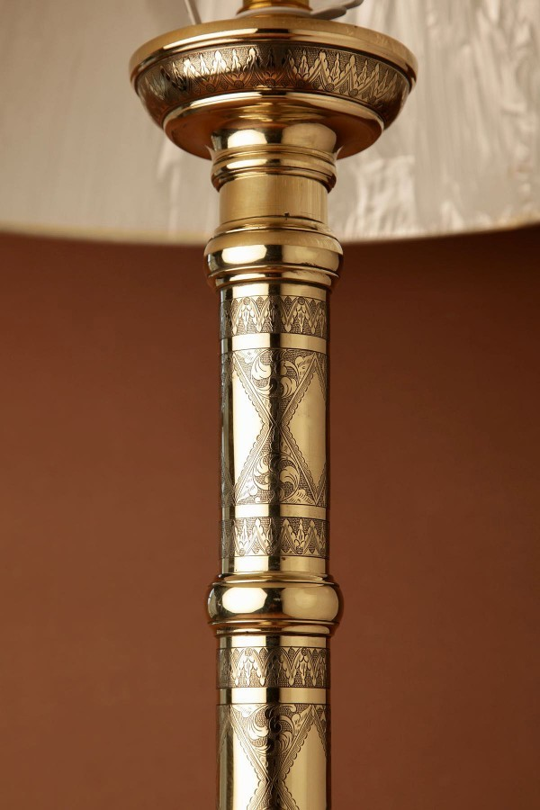 Antique A Finely Engraved Brass Large Table Lamp, Oriental 19th Century.
