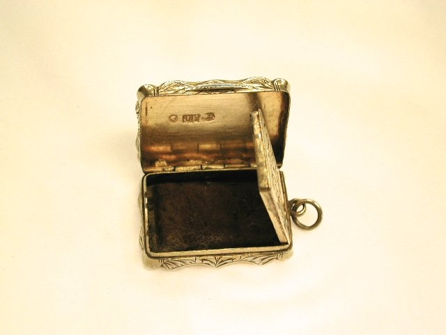 Antique Victorian Silver Vinaigrette