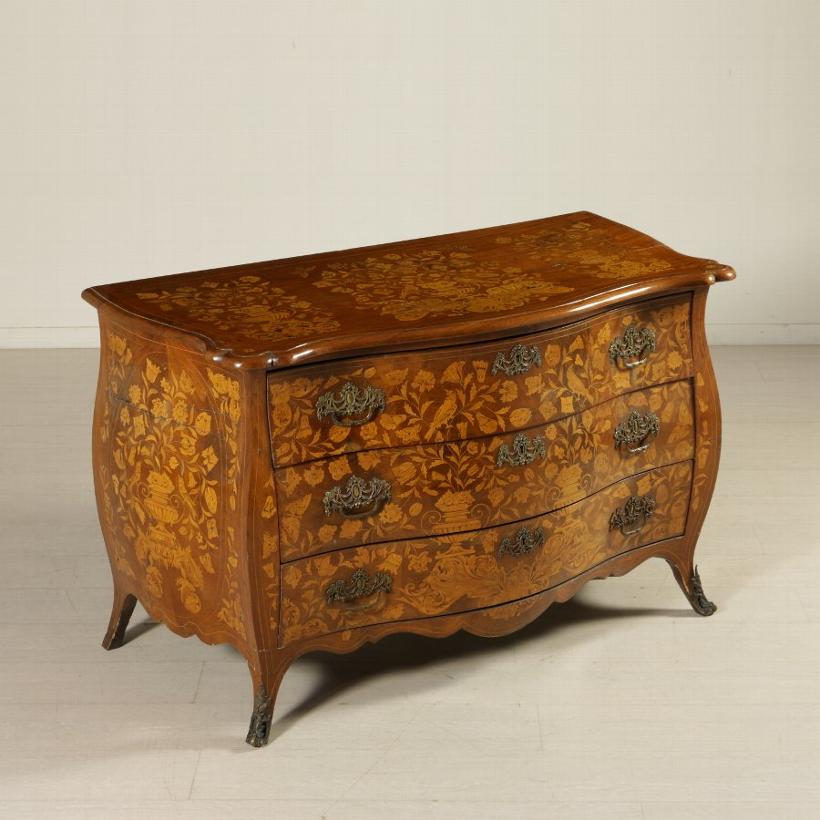 Elegant Dutch Inlaid Chest of Drawers Holland 19th Century
