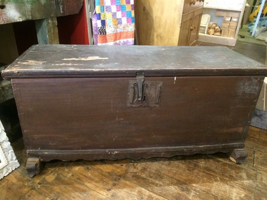 Antique early 19th century french elm box
