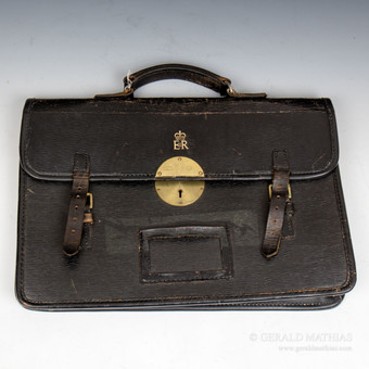 Antique #9944 An Elizabeth II Courier's Black Leather Brief Case.