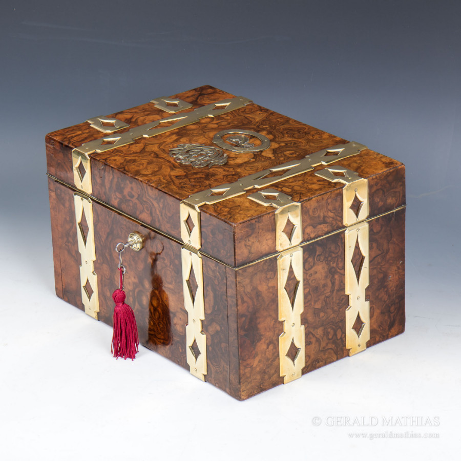 #9425 A Fabulous Victorian Burr Walnut Jewel Box.