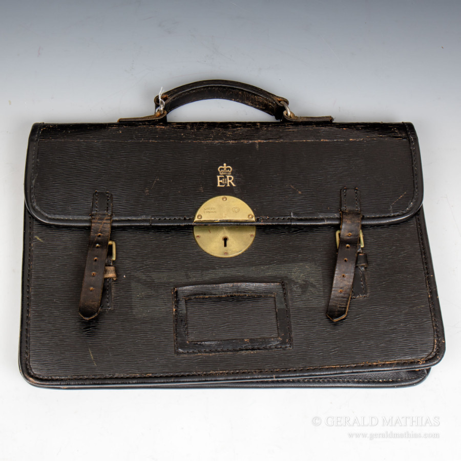 #9944 An Elizabeth II Courier's Black Leather Brief Case.