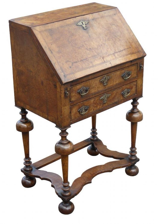 William and Mary Walnut Bureau of Small Proportions, Drawer writing bureau, Walnut bureau, Chest of drawers, Cabinet