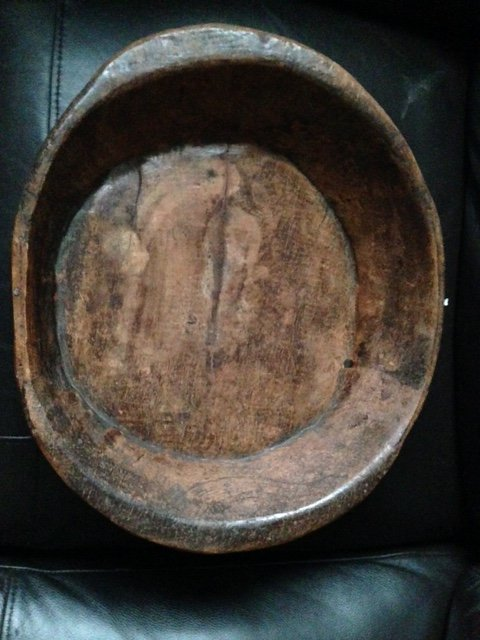early 17th century possibly English hand carved 36cm by 31cm oval shaped wooden bowl