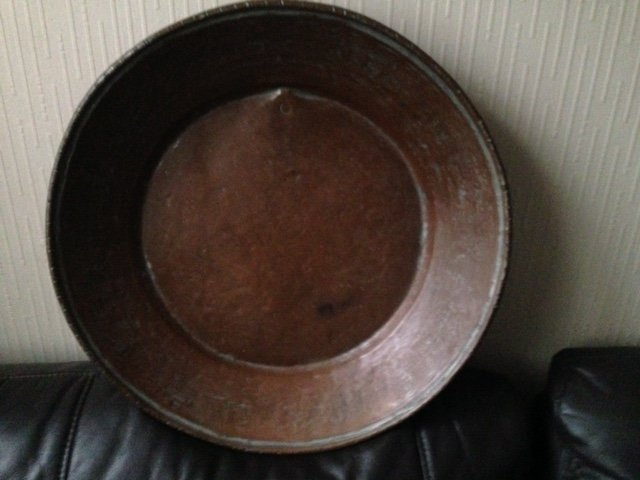 19th century possibly English 42cm in diameter round copper bowl was an authentic kitchen utensil