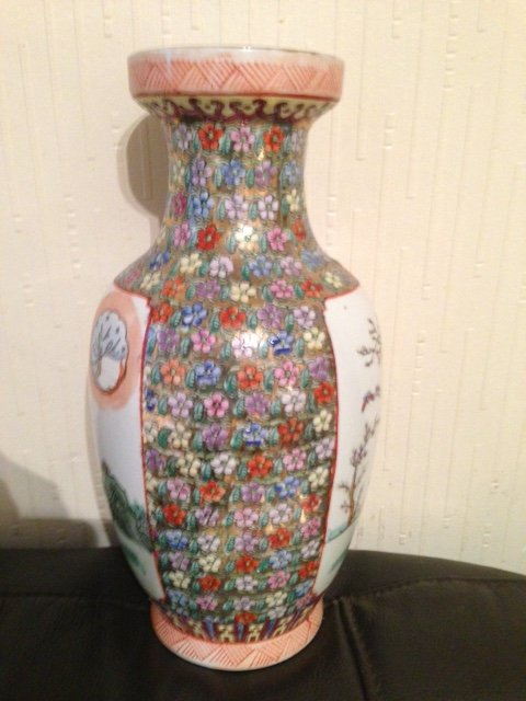 An attractive late 19th early 20th century 25cm famile rose Chinese vase
