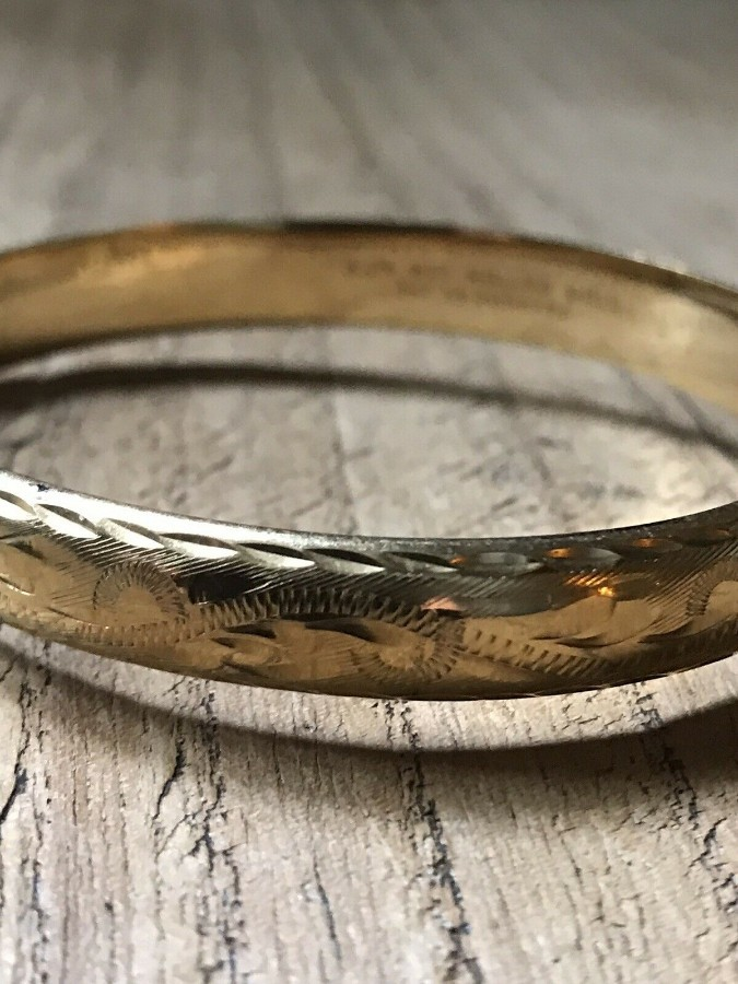 A Lovely Vintage 9ct Rolled Gold Bangle.