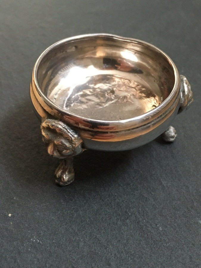 VINTAGE SILVER PLATED WHITE METAL OPEN SALT.