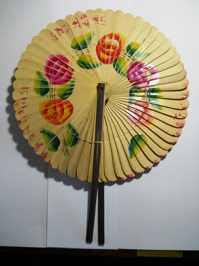 RARE ANTIQUE CHINESE FOLDING PADDLE FAN