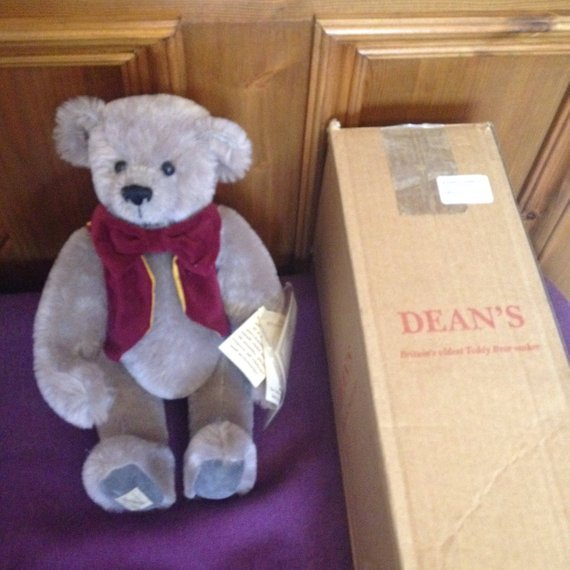 Dean's Rag Book Co - Group of 5 Collectable Teddy Bears
