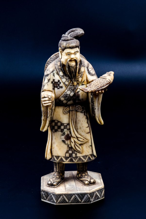 Antique The Fisherman An Old Chinese Figurine Antiques Co Uk
