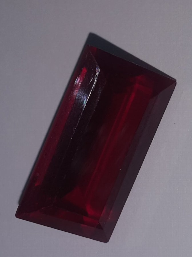 Antique HUGE RUBY STONE, IN A VERY HIGH QUALITY.