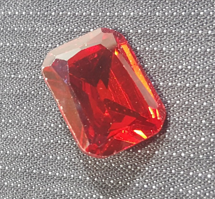 Antique BRILIANT CUTTING RED TOPAZ. ABOUT 27.35 CTS!
