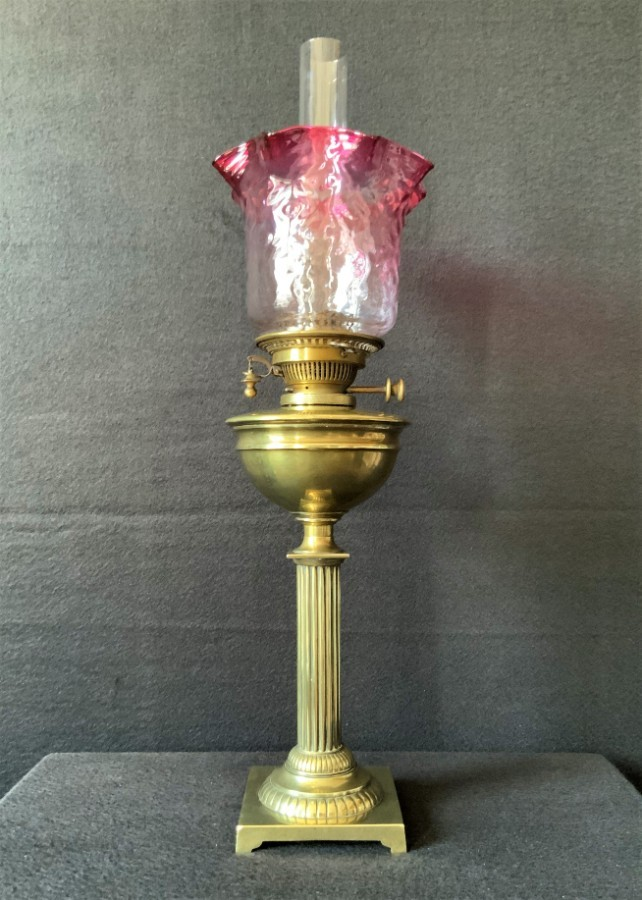 SUPERB Hinks London 19thc Victorian Twin Burn Cranberry & Brass Table Oil Lamp