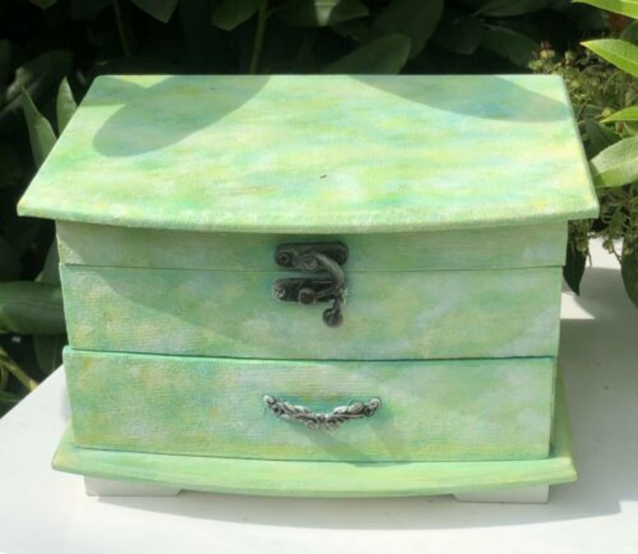 Vintage Style Shabby Chic Rustic Graffiti Art Green Colour Jewellery Box Case